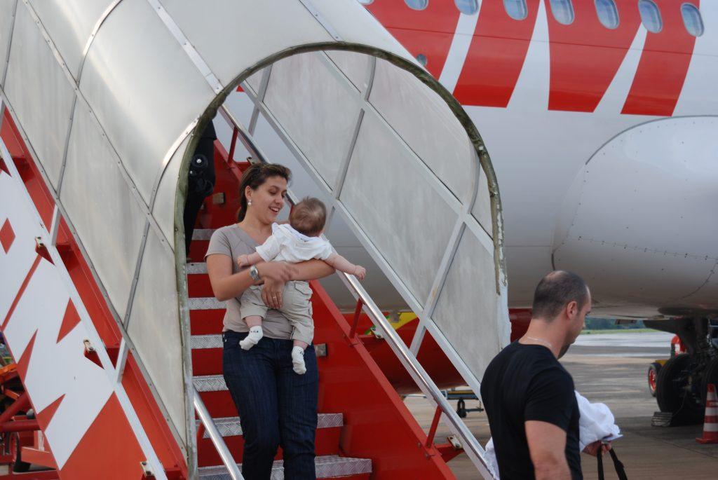 Tirei essa foto do fundo do baú, essa sou eu com Gabriel bebezinho!