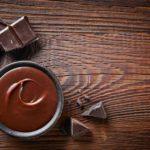 Que tal fazer o seu próprio hidratante à base de chocolate?